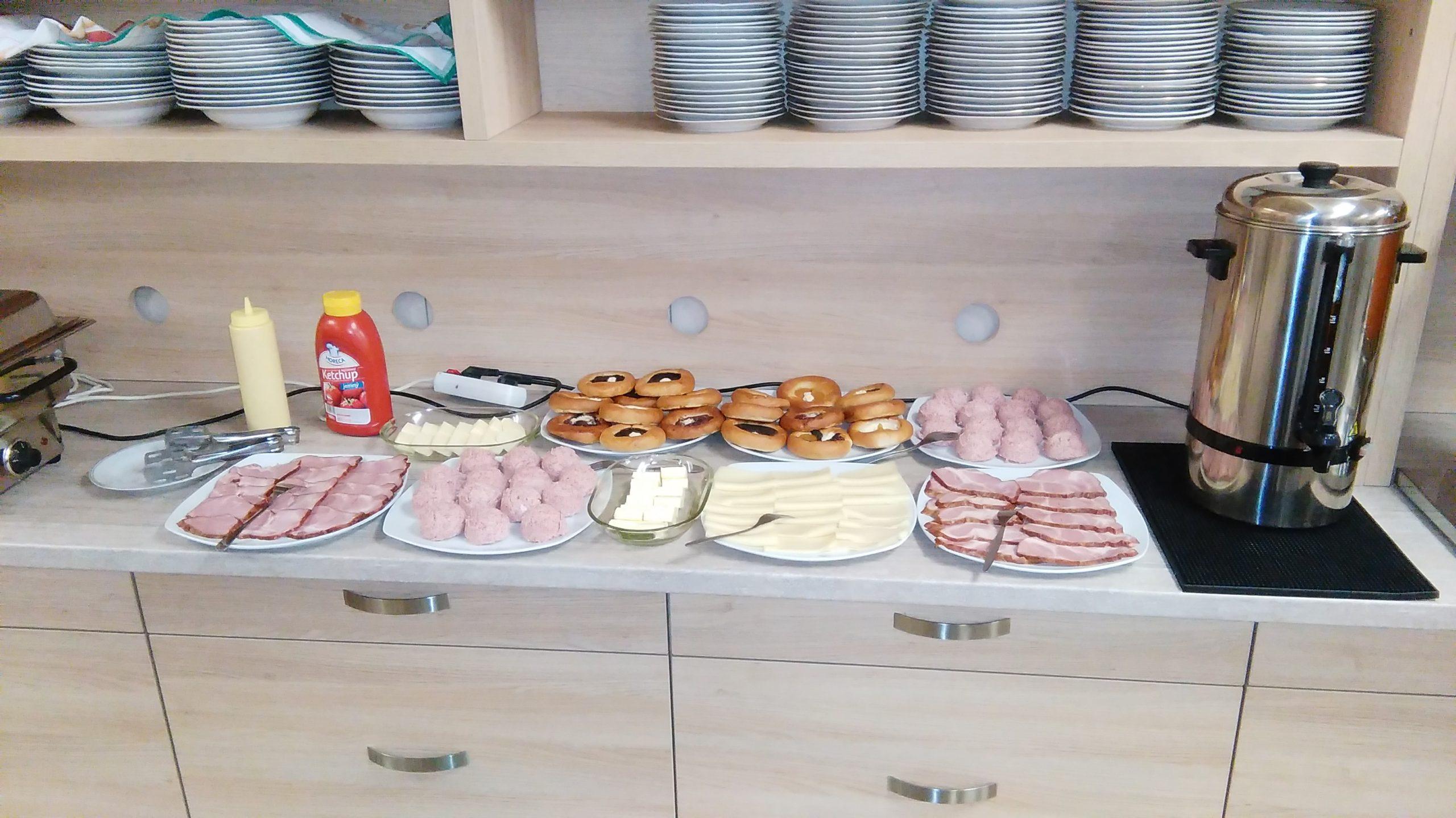 Snídaně formou bufetu